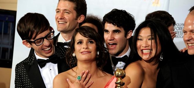 Los protagonistas de Glee recogiendo un galardón.