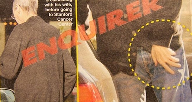 Se disparan las alarmas: Steve Jobs visita un centro oncológico visiblemente débil