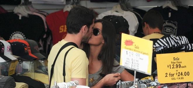 Sara Carbonero e Iker Casillas se dan un beso