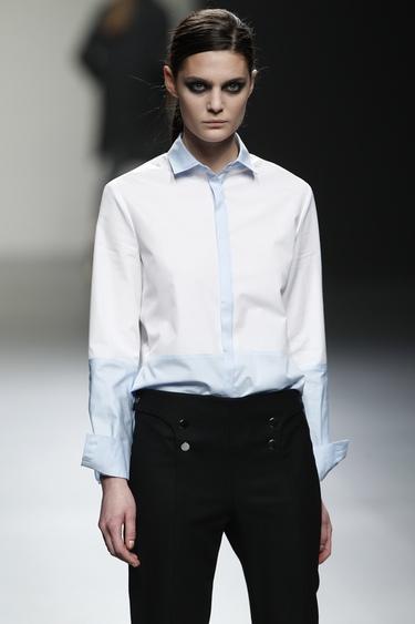Ángel Schlesser propone una mujer masculina en Cibeles 2011