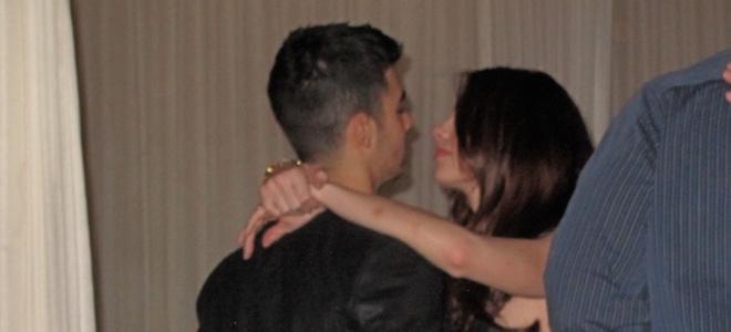Joe Jonas regala a Ashley Greene una pulsera de Chanel por su 24 cumpleaños