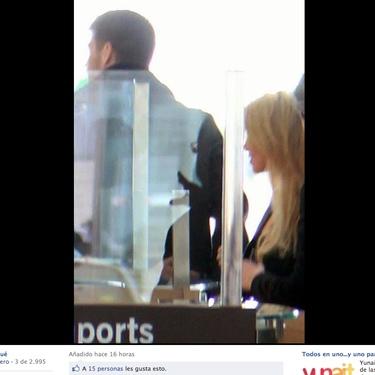 Las fotos de Gerard Piqué y Shakira en el aeropuerto de Barcelona