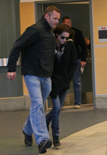 Kristen Stewart cambia a Robert Pattinson por su guardaespaldas