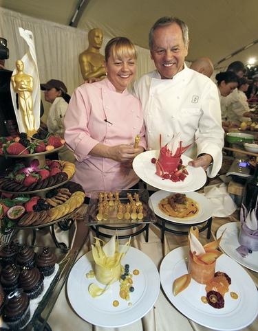 Paella, jamón y oscars de chocolate bañados en oro para cenar en los Oscar 2011