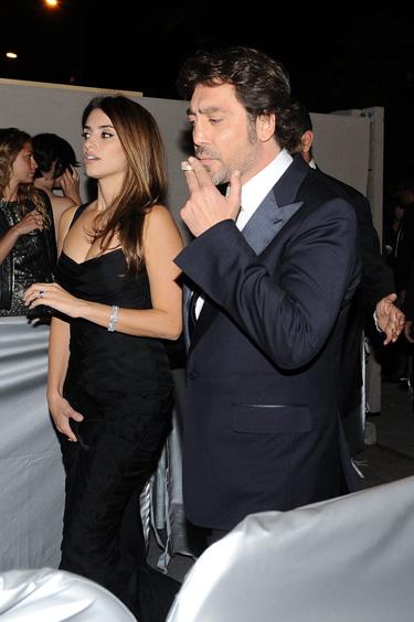 Penélope Cruz y Javier Bardem, separados en la alfombra roja y juntos en la gala de los Oscars 2011