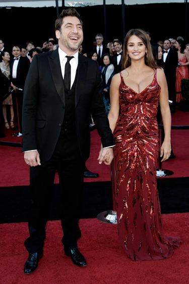 Javier Bardem y Penélope Cruz juntos en la ceremonia de los Oscars 2011