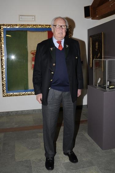 Víctor Manuel de Saboya confiesa un asesinato en una cámara oculta