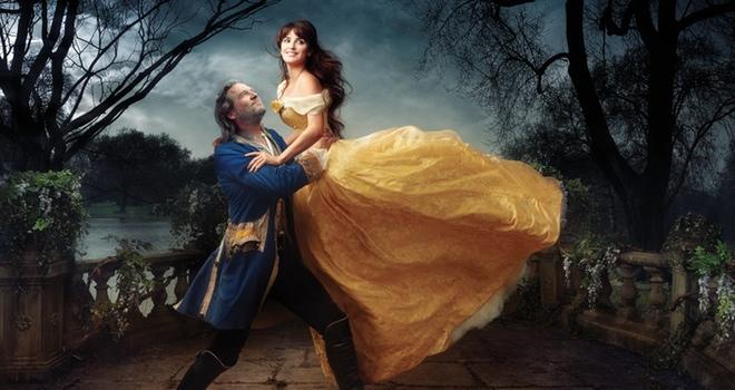 Penélope Cruz y Jeff Bridges se convierten en Bella y Bestia para el álbum Disney