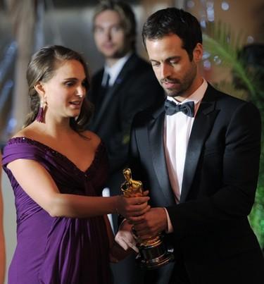 Un político republicano critica a Natalie Portman por su embarazo estando soltera
