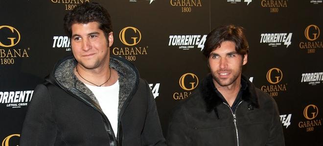 Julián Contreras Jr. y Cayetano Rivera Ordóñez en el estreno de 'Torrente 4: lethal crisis'