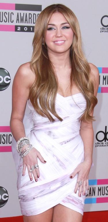 Se filtran unas fotos de Miley Cyrus muy seductora en ropa interior