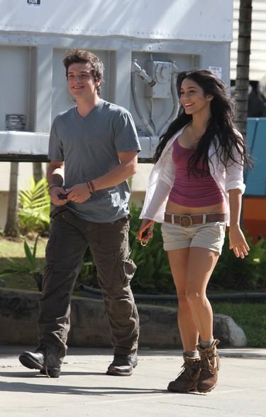 Vanessa Hudgens se olvida de Zac Efron con Josh Hutcherson