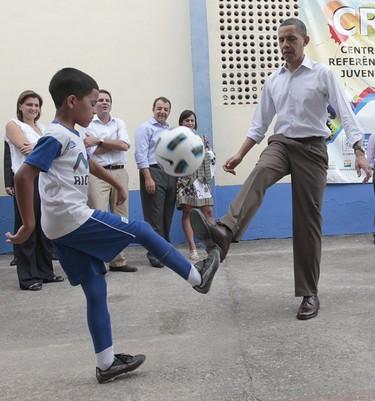 Barack Obama y su familia conocen el Cristo Redentor y la samba brasileña