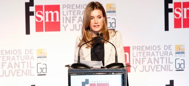 Doña Letizia preside los Premios SM de Literatura Infantil animando a la lectura