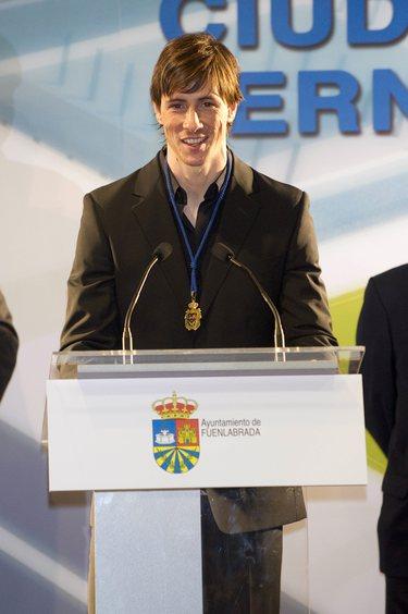Fernando Torres, emocionado en el homenaje que le brindó su Fuenlabrada natal