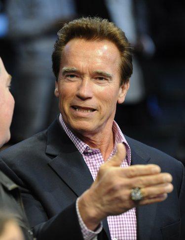 Arnold Schwarzenegger vuelve convertido en superhéroe en 'The Governator'