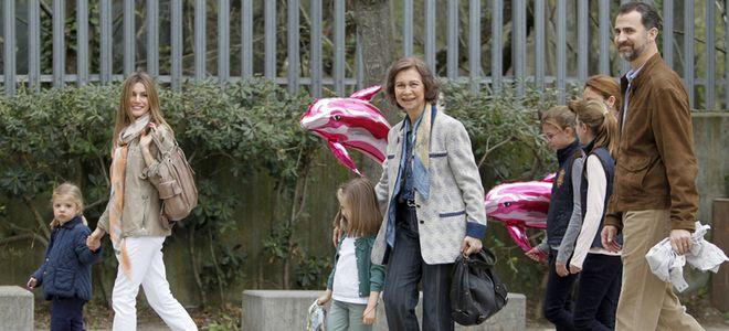 Leonor y Sofía, divertida tarde de zoo con sus padres los Príncipes Felipe y Letizia