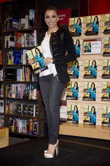 Eva Longoria, radiante en la firma de su libro de cocina 'Eva's Kitchen'