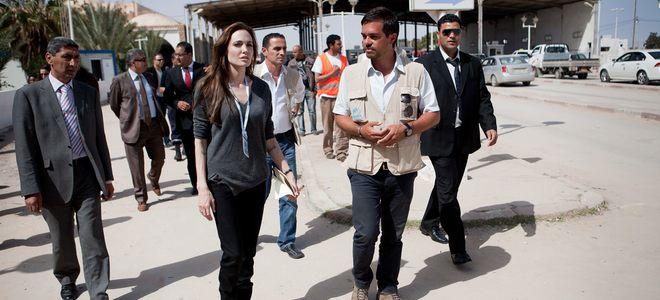 Angelina Jolie viaja a Túnez para apoyar a los refugiados libios