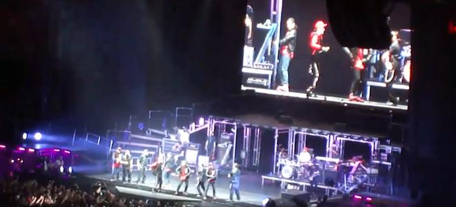 Justin Bieber encandila a sus fans de Barcelona bailando la 'Macarena'