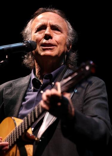 Joan Manuel Serrat se alza con la 'Mejor Canción' en los Premios de la Música