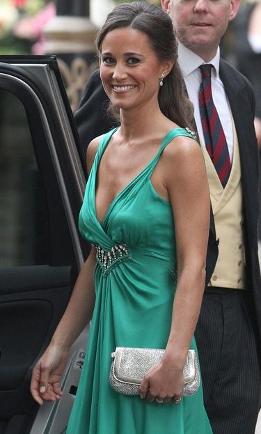 Retiran del mercado las imágenes de Pippa Middleton de juerga y semidesnuda