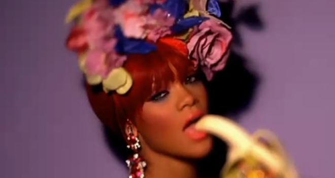 Los videoclips de Rihanna y Enrique Iglesias, censurados también en Francia