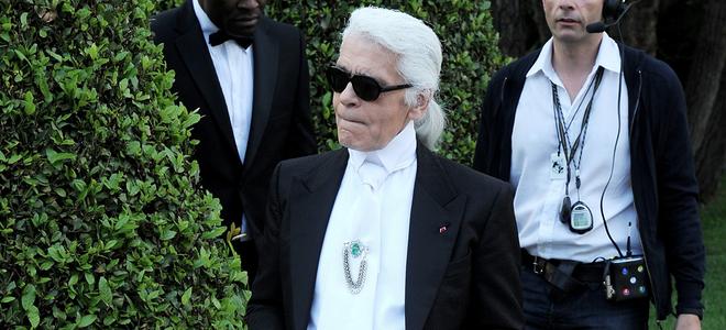Blake Lively y Carolina de Mónaco muy atentas a la colección Crucero de Chanel