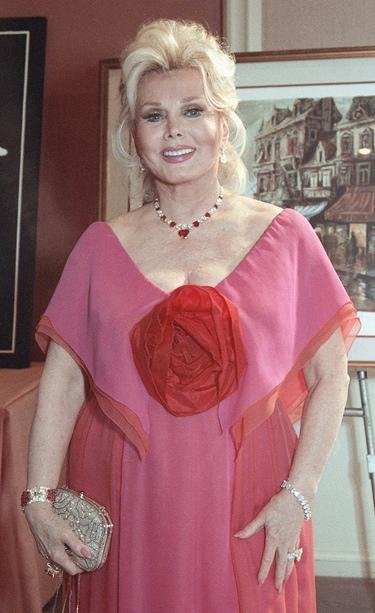 Zsa Zsa Gabor, en coma tras una intervención quirúrgica de urgencia