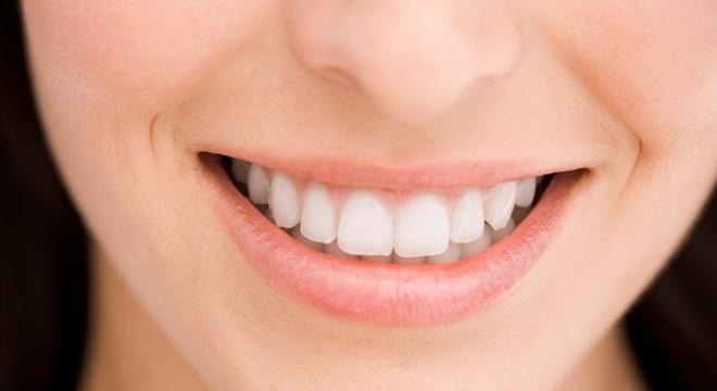 La gingivitis, un problema común en niños y adolescentes