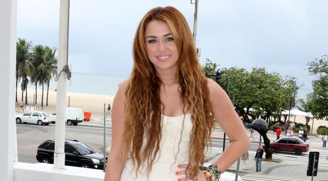 A Miley Cyrus le preocupan los linchamientos en las redes a los nuevos artistas