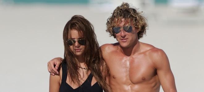Diego Forlán y Zaira Nara se relajan en Miami entre los preparativos de su boda