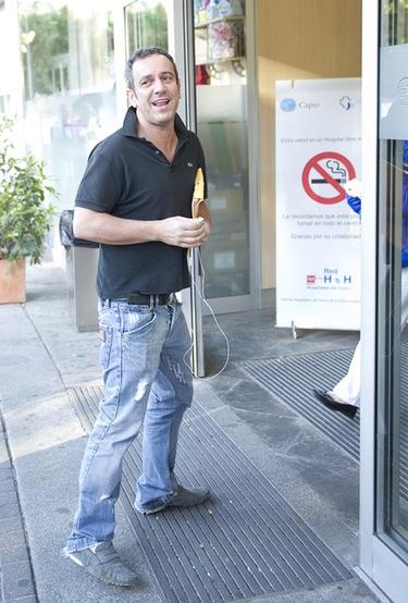 Víctor Sandoval ingresa en el hospital para que le amputen un dedo del pie