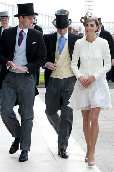 Guillermo de Inglaterra y Kate Middleton deslumbran en las carreras de Epsom
