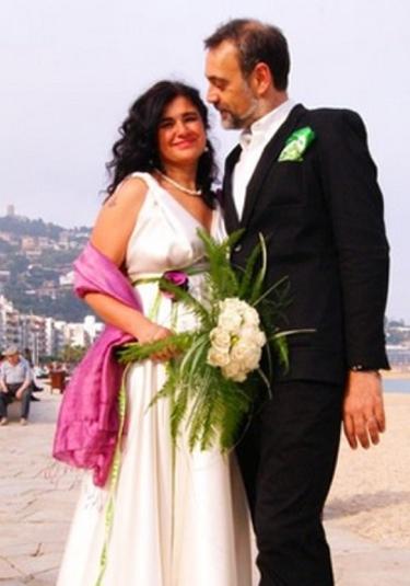 Lucía Etxebarria incumple una promesa: se casa con Josep, también periodista