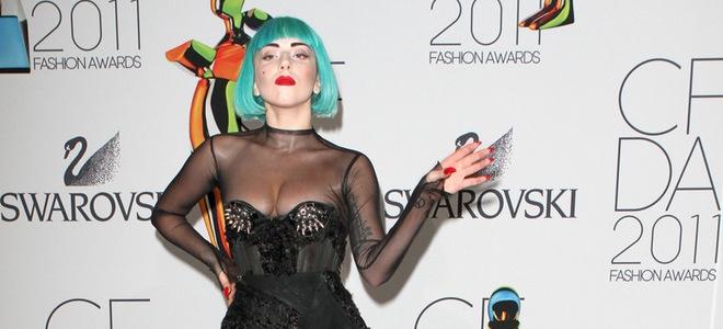 lady gaga en los premios de moda cfda 2011