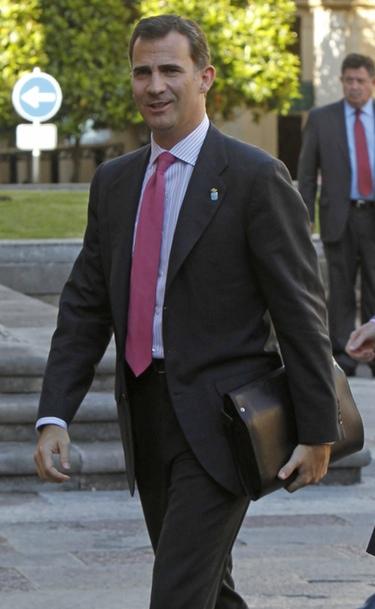 El príncipe Felipe mantiene una agitada discusión con una ciudadana republicana