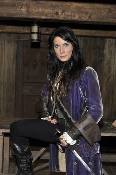 'Los misterios de Laura', imbatibles frente al mal dato de 'Piratas' y 'FoQ'