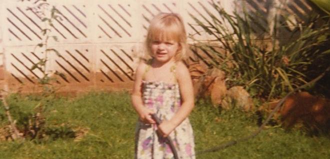 El lado más entrañable de Charlene Wittstock: sus imágenes de pequeña