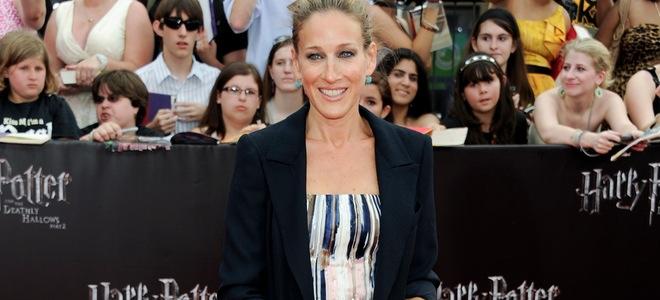 Sarah Jessica Parker pasea lo nuevo de Oscar de la Renta para 2012