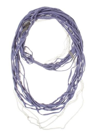 Da el toque más 'trendy' a tu atuendo veraniego con collares de algodón