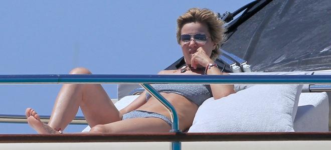 Eugenia Martínez de Irujo pasa unas divertidas vacaciones en Ibiza con amigos