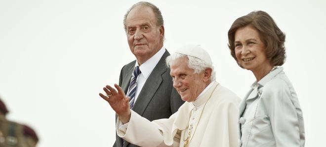 La reina Sofía con benedicto XVI y el Rey Juan Carlos
