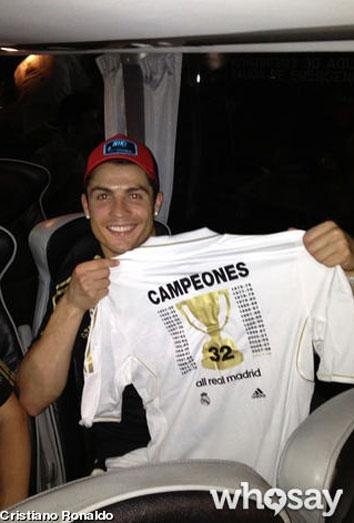 Cristiano Ronaldo celebra la Liga en el autobús