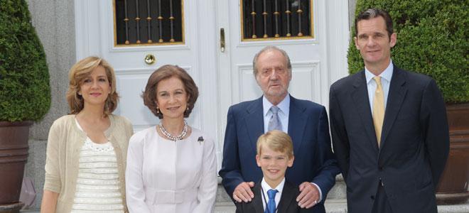 Iñaki Urdangarín, la Infanta Cristina, uno de sus hijos y los Reyes