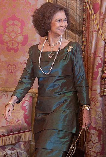 La Reina Sofía, criticada por la prensa británica