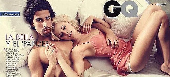 Eurocopa: Sami Khedira posa con su novia Lena Gercke en la cama.