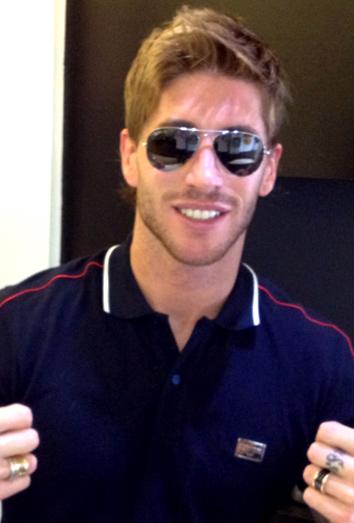 Eurocopa 2012 Sergio Ramos se corta el pelo. Nuevo look para la Euro2012