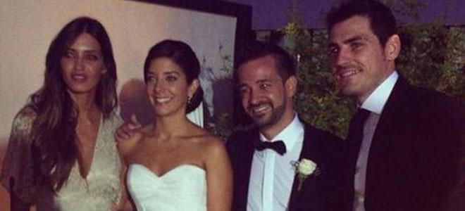 Iniesta se queda sin Iker Casillas y Sara Carbonero, que se deciden por otra boda