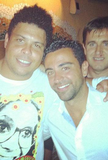 Xavi Hernández, Andrea Pirlo y el viejo ronaldo, de fiesta en ibiza